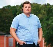 ?? FOTO: DANIEL OHLSSON/TV4 ?? DELTOG. Simon Axelsson har tidigare deltagit i Biggest loser som spelas in på Ekolsunds slott.