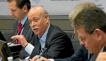 ??  ?? Top table: US futurologist, Jeremy Rifkin, at launch of the EU's Smart Europe Third Industrial Revolution plan.