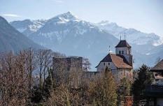 ??  ?? Umgenutzt: 1670 entstand in der Burgruine Ringgenberg eine Kirche. Bis heute wird diese genutzt.