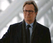 "??  ?? Gary Oldman stars in ""Crisis.""
