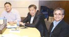 ??  ?? Ramon F. Garcia & Co. administration officer Paolo Romano Garcia with Legande Inc. president and CEO Ramon Garcia and network development officer Jaylyn Trogen
