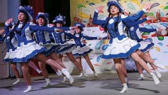 ??  ?? Die Funkengarde des Gastgebers, dem Hörselgauer Carnevalsclub, eröffnete das Programm mit einem Gardetanz.