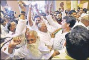 ?? PTI ?? Congress, BJP MLAs scuffle over the Vyapam scam in the Madhya Pradesh assembly in Bhopal on Tuesday.