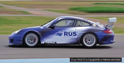??  ?? El 911 RUS GT3 Cup girando a máxima velocidad.