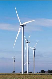 ?? JASON KRYK/ The Windsor Star ?? Wind turbines generating power in Essex County.
