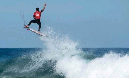 ?? Photograph: Cameron Spencer/Getty Images ?? Gabriel Medina of Brazil won the Narrabeen Classic title with victory over American Conner Coffin in the final.
