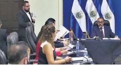 ??  ?? Puerta cerrada. La comisión política de la Asamblea no permitió presencia de periodistas.