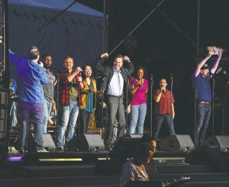"""?? CAROLYN VAN HOUTEN/THE WASHINGTON POST ?? The cast of """"Come From Away"""" performs on the National Mall on the eve of the 20th anniversary of 9/11. The show tells the story of a town that sheltered airline passengers stranded there on 9/11."""