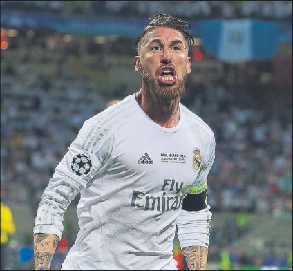 ?? FOTO: SIRVENT ?? Sergio Ramos celebra su gol en la final de Milán donde el Madrid se impuso en la tanda de penaltis al Atlético