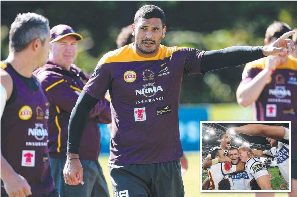 ??  ?? TARGET IN SIGHT: Justin Hodges at training; and (inset) celebrating the Broncos' last grand final victory in 2006. Main Picture: Adam Head
