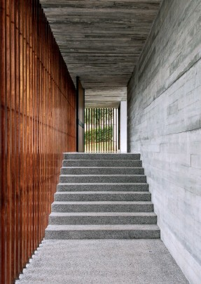 ??  ?? Outdoor spaces still feel private and secure; Timber screens in many forms appear throughout the house; One of two of the spiral staircases