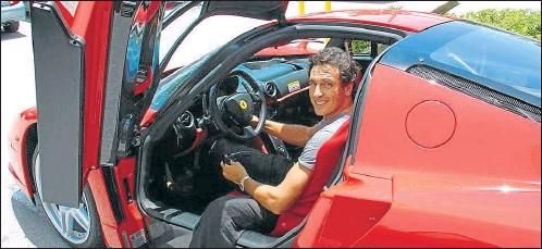 ?? CEDOC PERFIL ?? FERRARI ENZO F60. Uno de los autos con los que De Carli se paseaba por Miami. También manejaba un Porsche Carrera GT.