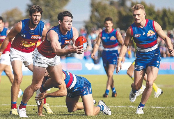 ??  ?? Lions star Lachie Neale in action during Brisbane's loss to the Western Bulldogs at Mars Stadium in Ballarat. Picture: Getty Images