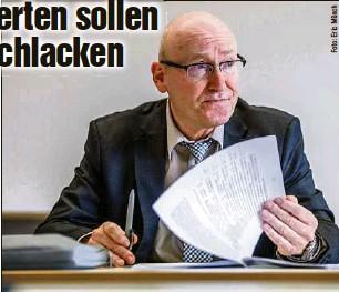 ?? ?? Tilmann Schweisfurth (62), früherer Präsident des Landesrechnungshofes Mecklenburg-Vorpommern, leitet die neue Kommission.