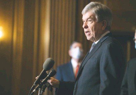 """?? ROD LAMKEY/ASSOCIATED PRESS ?? Sen. Roy Blunt (R-MO.) suggested impeachment was not necessary because there was little chance President Trump would repeat his dangerous actions: """"Now, my personal view is that the president touched the hot stove on Wednesday and is unlikely to touch it again."""""""