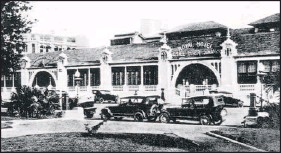 ?? Picture: INDEPENDENT ARCHIVES ?? The original Royal Hotel, which opened in 1845.