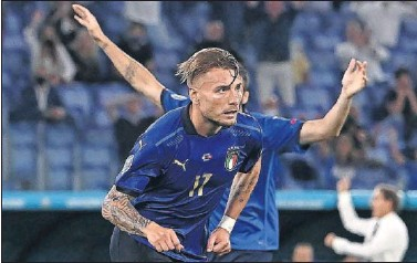 ??  ?? Immobile celebra un gol con Italia.