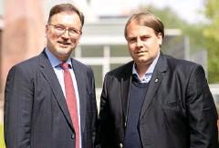 ?? FOTO: SASCHA FROMM ?? Insolvenzverwalter Volker Reinhardt (links) macht Ex-Sportdirektor Oliver Bornemann für den Niedergang mitverantwortlich.
