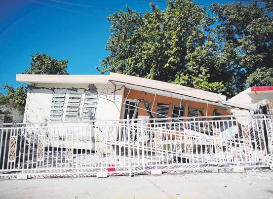?? Archivo/ tonito.zayas@gfrmedia.com ?? Esta residencia en Guánica se vino abajo tras los sismos que sufrió la zona sur a principios de año.