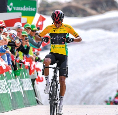 ??  ?? Bernal served early warning to his Tour rivals by dominating the 2019 Tour de Suisse