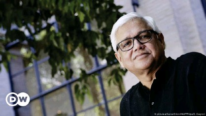 ??  ?? Amitav Ghosh: Fiction has to reflect climate change reality