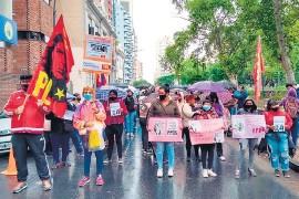 ??  ?? Hubo marchas en varias ciudades de Argentina.