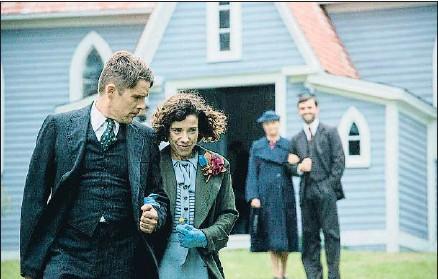 ?? BCN FILM FEST / ACN ?? Ethan Hawk y Sally Hawkins, en una escena de Maudie. El color de la vida