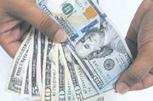 ??  ?? En lo que va del año, la divisa estadounidense acumula un bajón de 5,3%, unos G. 350 menos por cada dólar.