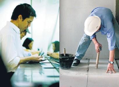 ??  ?? Dos extremos: trabajador bancario y de la construcción.