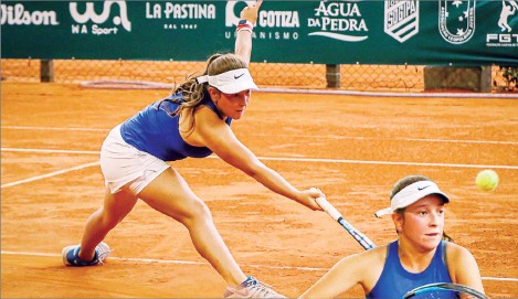 ?? FAMILIA TRIGOSO ?? Natalia Trigosso en plena acción en un torneo internacional disputado en Brasil.