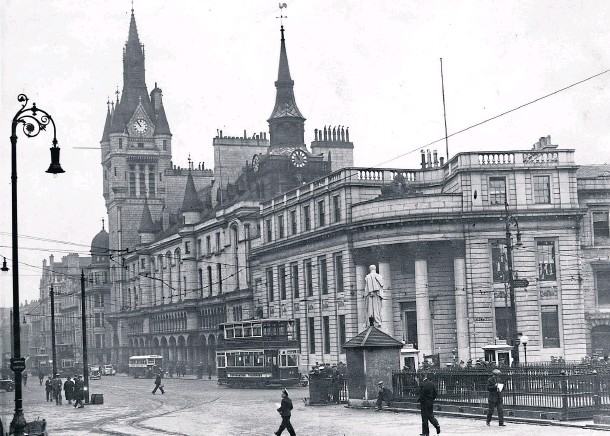 ??  ?? ALL CHANGE: The Castlegate in 1936 with a No 79 tram from Hazlehead.The iron railings around the underground toilets have gone, as have the police box and statue