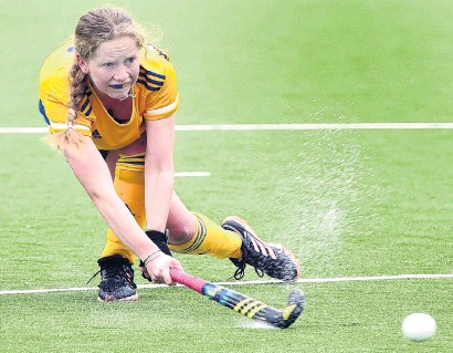 ?? PHOTO PETER MCINTOSH ?? Having a crack . . . Otago's Taylor Duffy takes a shot during a representative match against Canterbury at the McMillan Hockey Centre yesterday.