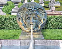 ??  ?? A piece of garden art commissioned by Gianni Versace