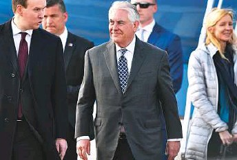 ?? AFP ?? Tillerson arrives at Vnukovo II airport in Moscow, yesterday. Earlier, he told a G7 foreign ministers' meeting in Italy that Russia should rethink its alliance with Al Assad.