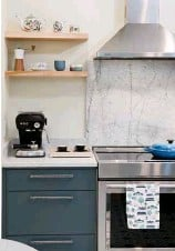 """??  ?? Part of what attracted Maureen to a natural marble backsplash and countertop is that it will show signs of wear over time. """"I like the look of marble and the idea that it will someday show its age"""""""