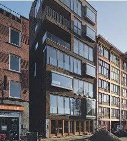 ??  ?? Cohousing de 'seniors' Oosterkade, premiado como el mejor edificio 2016 de Groningen (Holanda) Cohousing_LAB