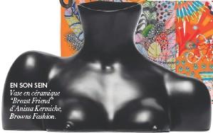 """??  ?? EN SON SEIN Vase en céramique """"Breast Friend"""" d'Anissa Kermiche, Browns Fashion."""