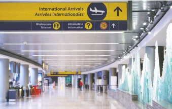 ?? AZIN GHAFFARI ?? International Arrivals area at Calgary International Airport was almost empty on Wednesday