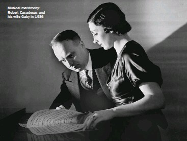 ??  ?? Musical matrimony: Robert Casadesus and his wife Gaby in 1936