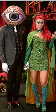 ??  ?? Daniel Padilla (left) and Kathryn Bernardo, male and female best in costume award