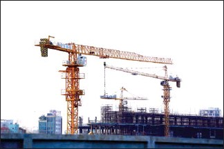 ?? HEAN RANGSEY ?? Just $7.8 billion in new construction projects were approved in 2020, down 32.1 per cent on a yearly basis.