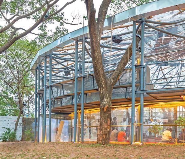 ??  ?? ThePavilionatCabralYardduring theKochi-MuzirisBiennalewas designedbyDelhi-basedAnagram Architects(MadhavRamanand VaibhavDimri).ThePavilionhada steelstructureandaskinof polycarbonateandcementboard.