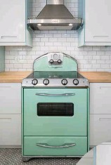 ??  ?? The retro-cool stove, manufactured by Ontariobased Elmira Stove Works, is available in a number of colours. While Cranley's choice of mint green was on-trend in 1956, candy red (1954), robin's egg blue (1954), and flamingo pink (1955) are also popular...