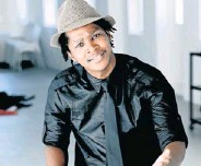 ?? Picture: SUPPLIED ?? FUNNY MAN: Zwelitsha-born comedian Ndumiso Lindi will host the '99% Xhosa Comedy' show in East London on Friday