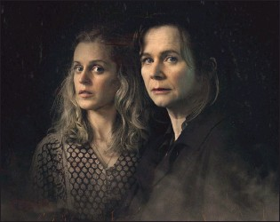??  ?? Too Close with Denise Gough and Emily Watson. Right: Steve Simmons in Bent Coppers: Crossing the Line of Duty