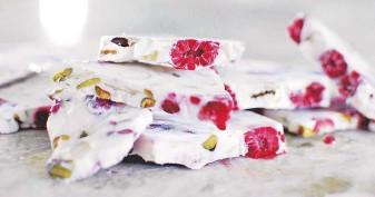 ??  ?? Raspberry Greek Yogurt Bark.