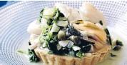 ??  ?? Treat: Seafood and watercress tart.