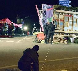 ??  ?? L'indagine I rilievi dei carabinieri dopo l'incidente del 25 febbraio scorso