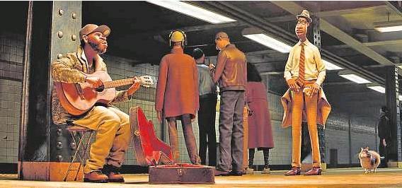 ?? THE WALT DISNEY COMPANY SPAIN ?? 2 Joe es profesor de música, pero sueña con ser pianista de un buen grupo de jazz.