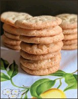 ??  ?? Simply lemon cookies are crispy, tasty cookies that are a breeze to bake.